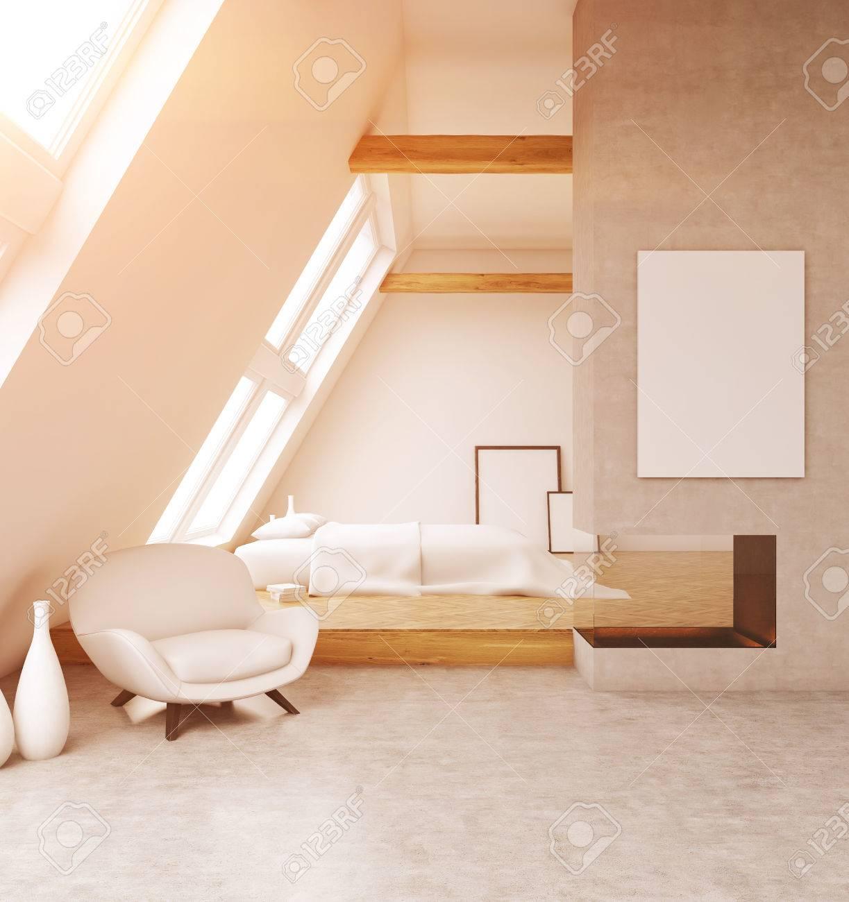 Komfortable Zimmer Im Modernen Haus. Big Bett, Weiße Sessel, Poster An Den  Wänden