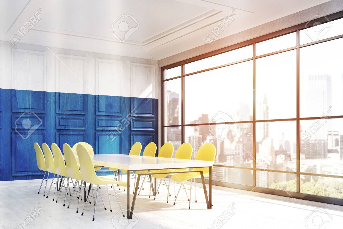 New york lintérieur du bureau. mur en bois bleu et blanc. coin