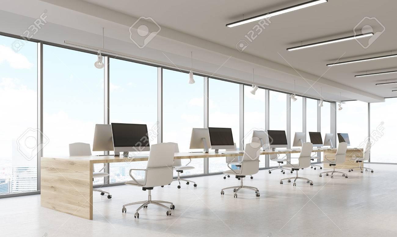 Empresa De Diseño De Interiores Con Hileras De Ordenadores Y ...