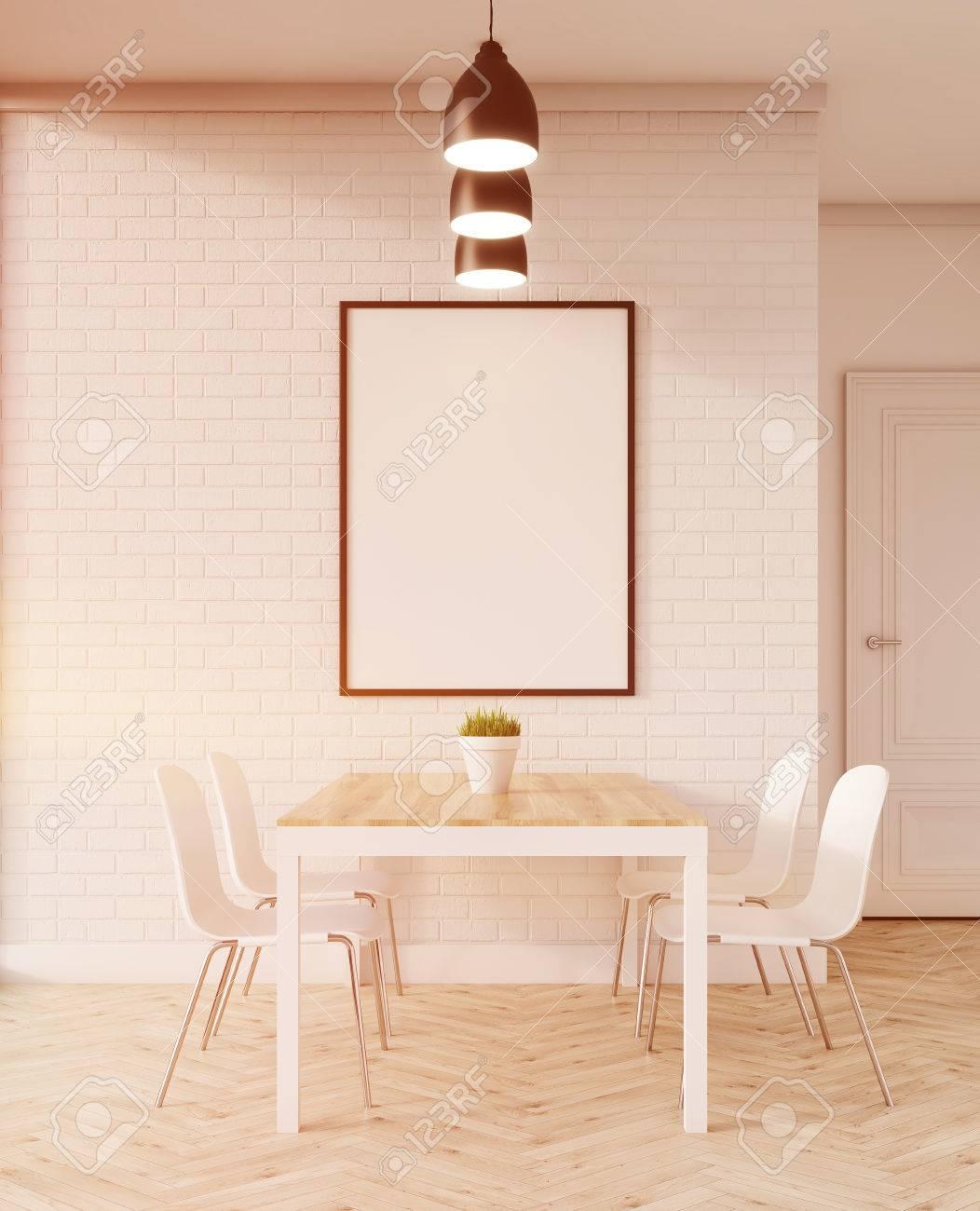 Mesa De Comedor En El Apartamento. Sillas Blancas En Suelo De Madera ...