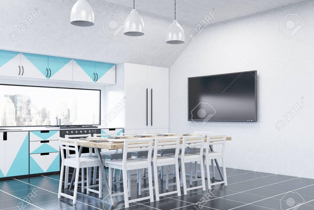 Moderne Küche Interieur Mit Weißen Wänden, Blauen Und Weißen Möbel ...