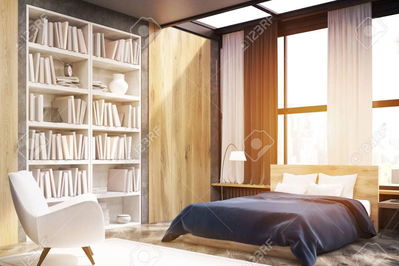 Ecke Schlafzimmer Schlafzimmer Mit Fenster Und Holzwand Elemente. Großes  Bücherregal Befindet Sich In Der Nähe