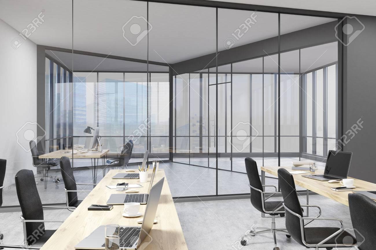 Bureau Avec Des Murs En Verre Ouvert Espace Bureau Et L Etude De
