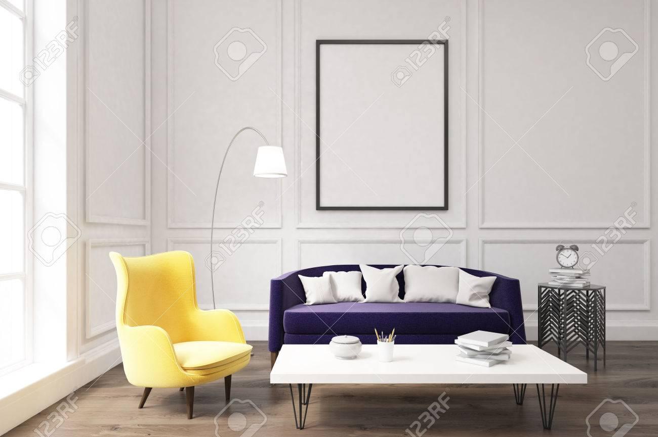 Intérieur D\'un Salon Avec Canapé Violet, Un Fauteuil Jaune Et Une ...