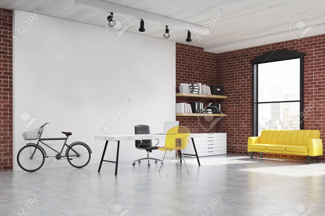 Innenministeriuminnenraum Mit Gelbem Transparentem Stuhl, Einem Sofa ...