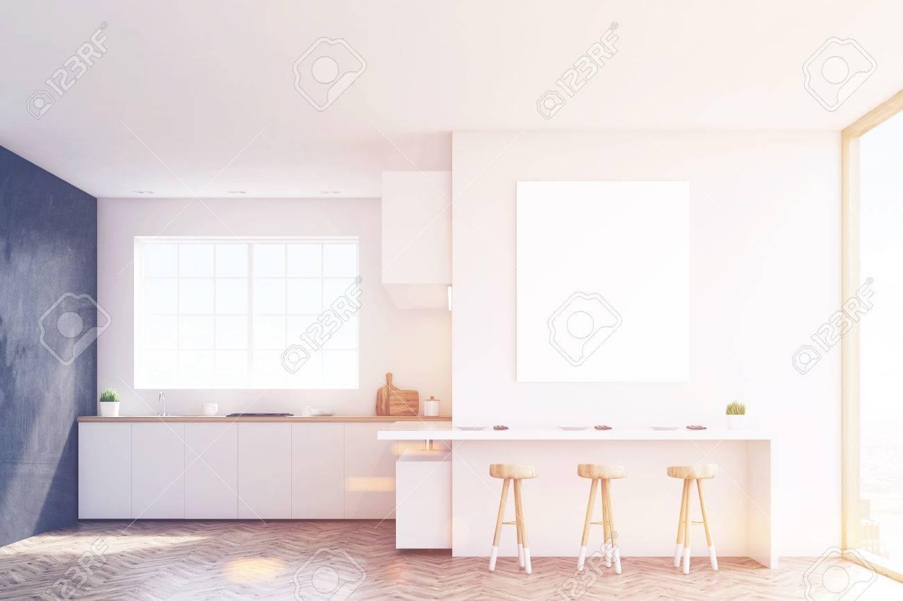 Küche Mit Fenster, Arbeitsplatten, Tisch Und Drei Hocker. Schwarz ...