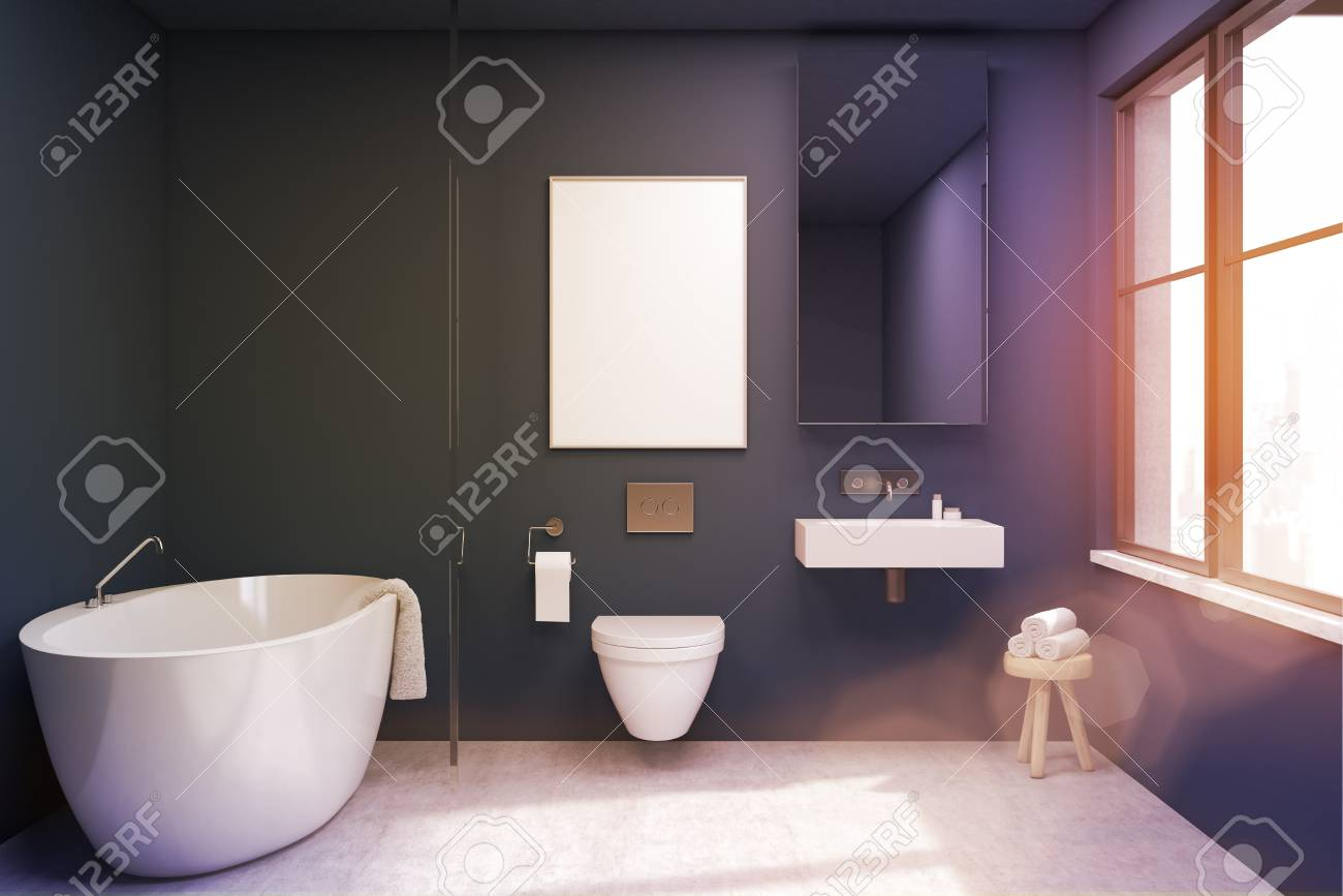 Vista frontale di un bagno interno con vasca wc e lavandino. cè