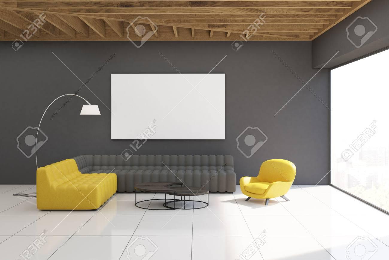Innere Grau Wohnzimmer Mit Gelben Und Grauen Sofas, Graue Wände, Große  Panoramafenster Und Eine