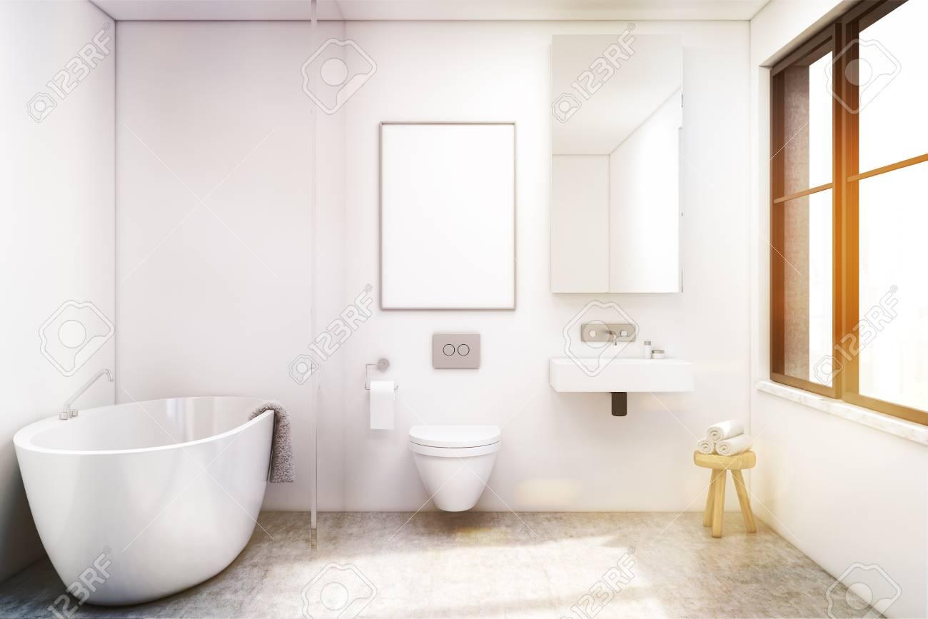 Vue De Face Du0027un Intérieur De Salle De Bain Avec Baignoire, Toilettes Et  Lavabo. Il Y A Une Grande Fenêtre Et Un Grand Miroir Sur Un Mur. Rendu 3d.