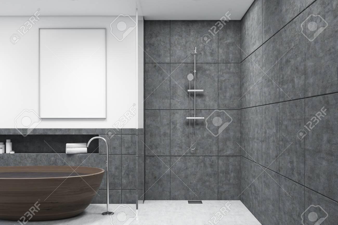 Vasca Da Bagno In Cemento : Immagini stock bagno con vasca in legno doccia pareti bianche
