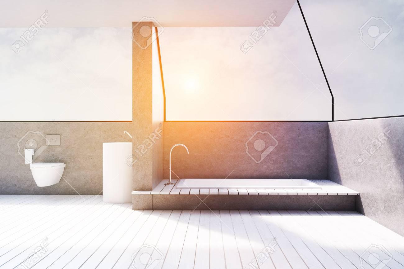 Vue de face d\'un intérieur de salle de bain gris avec carrelage, toilettes  et baignoire couché dans le sol. Rendu 3D, image tonifiée