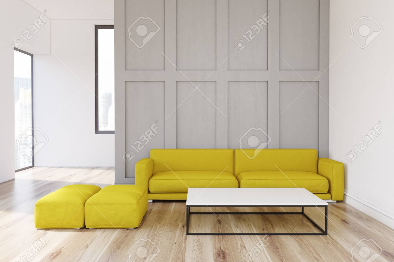 Intérieur de salon avec un mur gris, un canapé jaune debout près d\'elle et  une table basse blanche. Rendu 3D, maquette