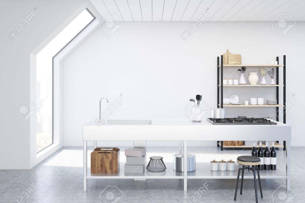 Innenansicht Einer Dachgeschoss Kuche Mit Weissen Wanden Einem Herd