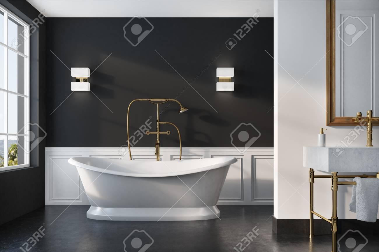 Interior De Baño Vintage Con Una Bañera Blanca, Una Ducha Dorada, Un ...