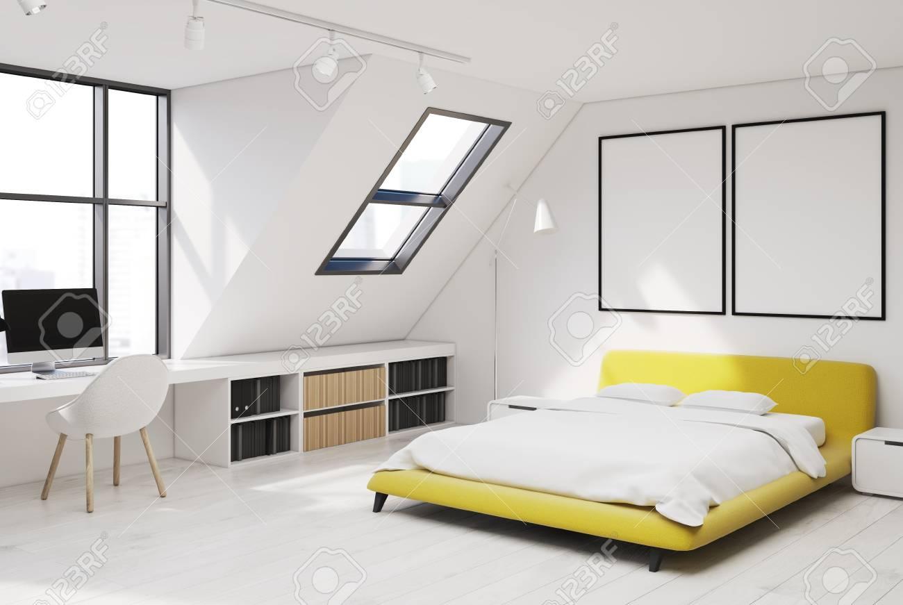 Letto Matrimoniale Giallo : Immagini stock interno camera da letto con pareti bianche e