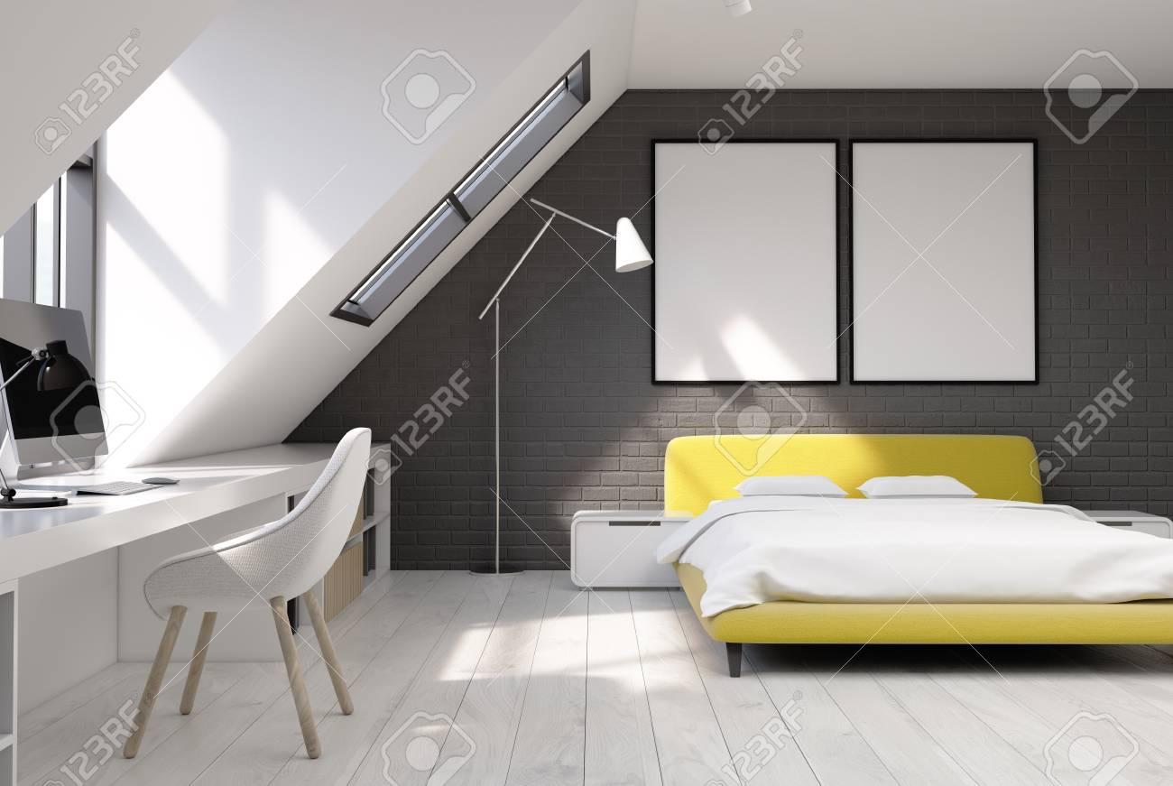 Letto Matrimoniale Giallo : Immagini stock interno camera da letto con pareti in mattoni