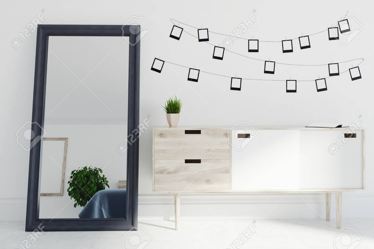 Wohnzimmer Innenraum Mit Weissen Wanden Und Boden Einem Spiegel Und