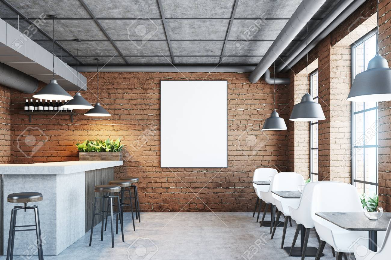 Sol En Beton Interieur brique café et l'intérieur du bar avec un sol en béton, une barre de marbre  et de bois, des chaises noires et des tables en bois. affiche sur le mur.