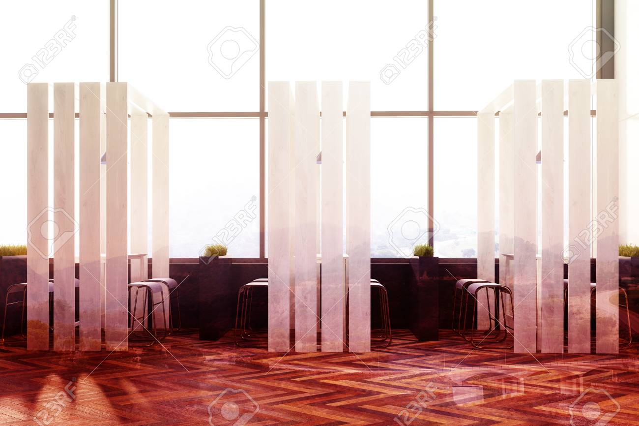 loft caf interieur met een houten vloer paneelwanden elementen voor plankdecoratie lange