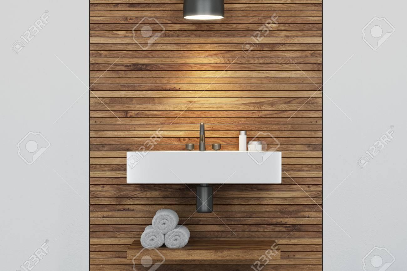 Bagno Legno E Bianco : Immagini stock chiuda su di un lavandino angolare in un interno