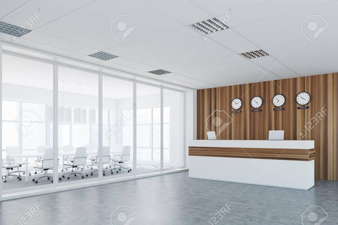 Lobby Im Büro Mit Holz- Und Glaswänden, Einer Rezeption Mit Uhren ...