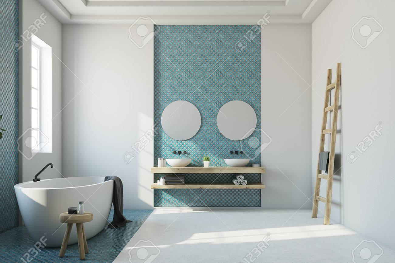 Intérieur de salle de bain blanc avec une mosaïque bleue, un sol blanc et  bleu, une baignoire ovale, un double lavabo et deux miroirs ronds. Maquette  ...