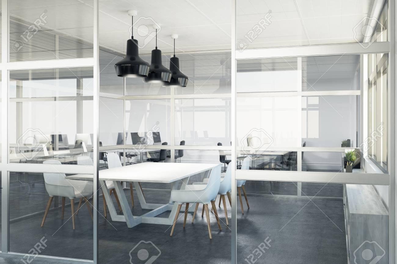 Decorazioni In Legno Per Pareti : Chiuda in su di una sala per conferenze della parete di vetro con