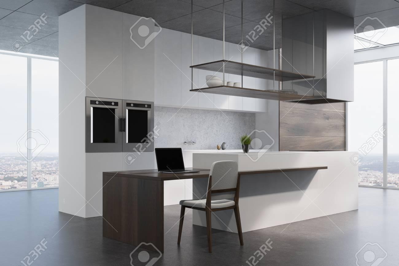 Weiße Und Hölzerne Küchenarbeitsplatte, Die Auf Einem Dunkelgrauen ...