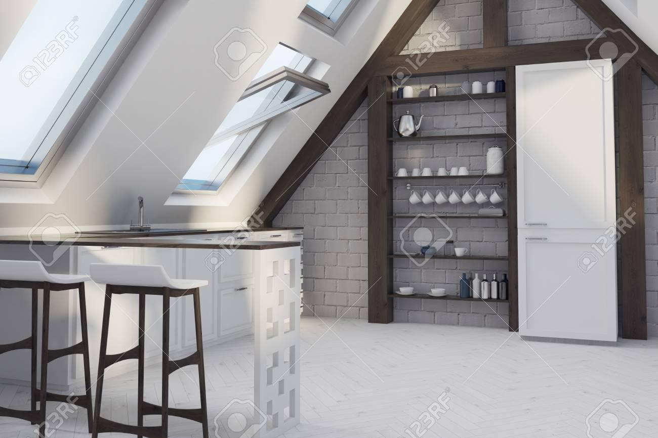 Attic Esszimmer Interieur Mit Einem Weißen Holzboden, Fenster Im ...