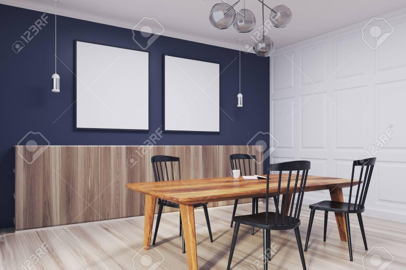avec affiches vue Maquette en 3D et une dessousUne de bleu Intérieur de table manger chaises en à un des boisdeux carrées plancher avec salle côté JlFK1c