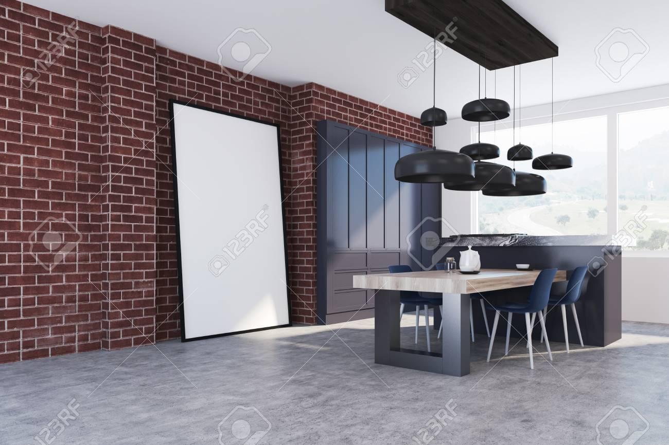 Intérieur De Cuisine En Brique Avec Un Sol En Béton, Une Table En ...