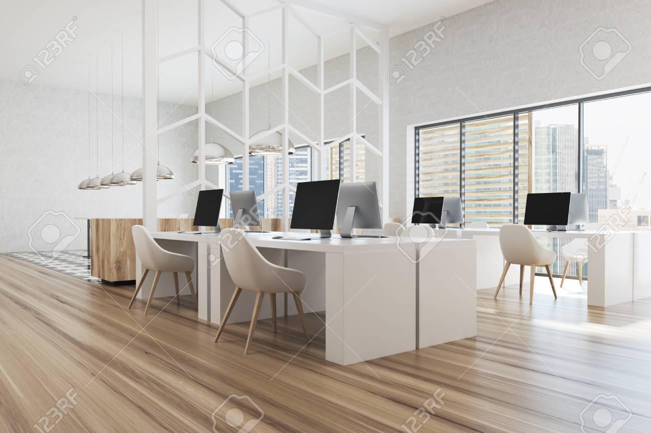 Ufficio Bianco E Legno : Moderno angolo ufficio bianco con pareti bianche finestre