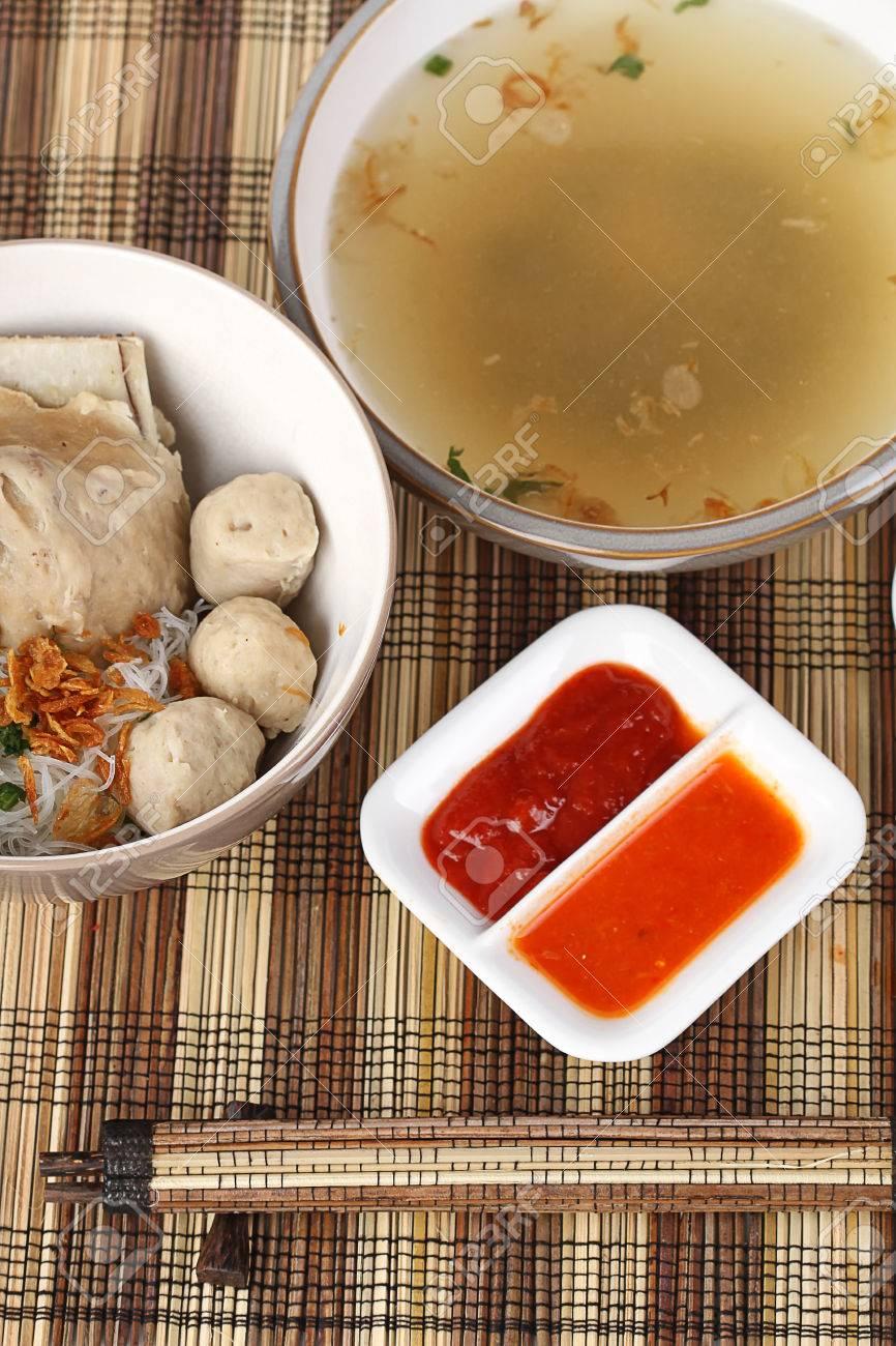 bakso iga, rippen fleischbällchen-suppe, indonesische küche