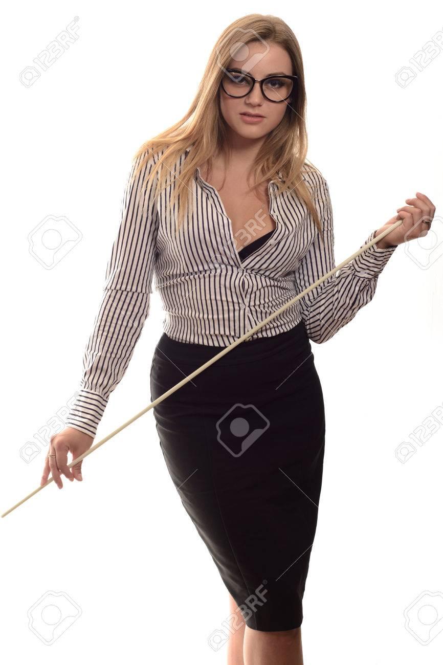 1c88a13f0e8691 Sexy girl avec des lunettes de professeur Strict une longue jupe noire et  chemise rayée avec un pointeur dans la main isolé sur blanc