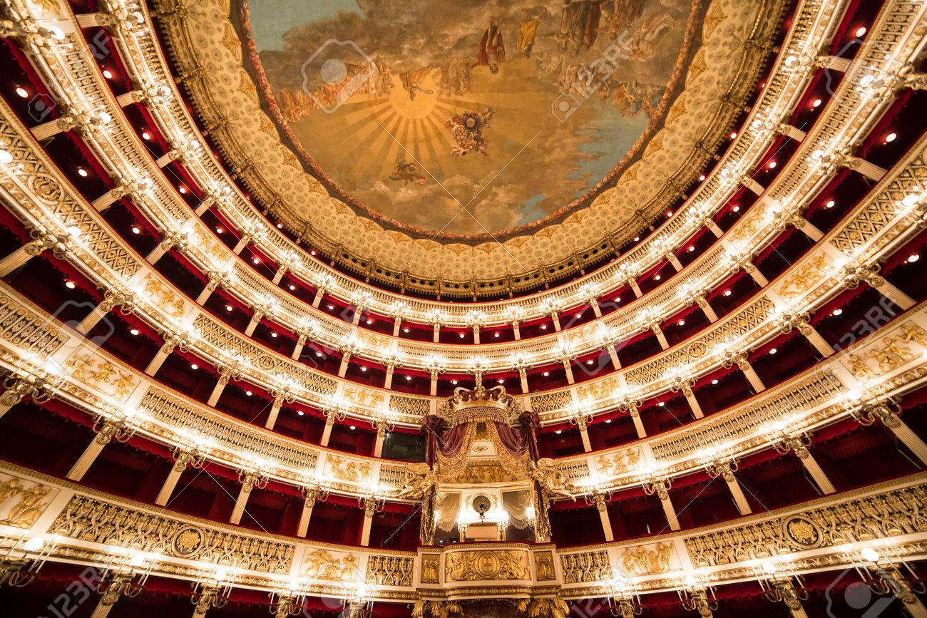 """Résultat de recherche d'images pour """"The San Carlo Theater naples"""""""