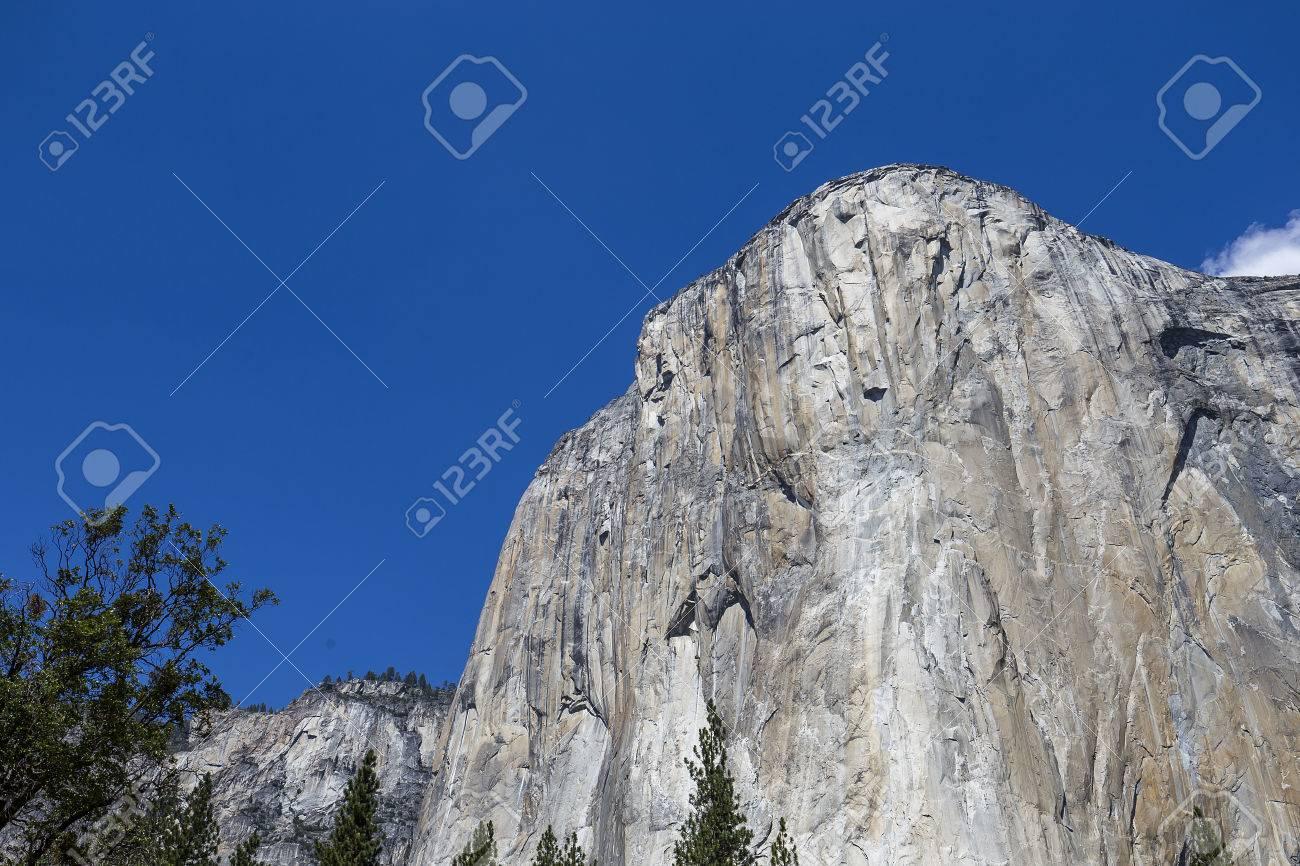 world famous rock climbing wall of el capitan yosemite national