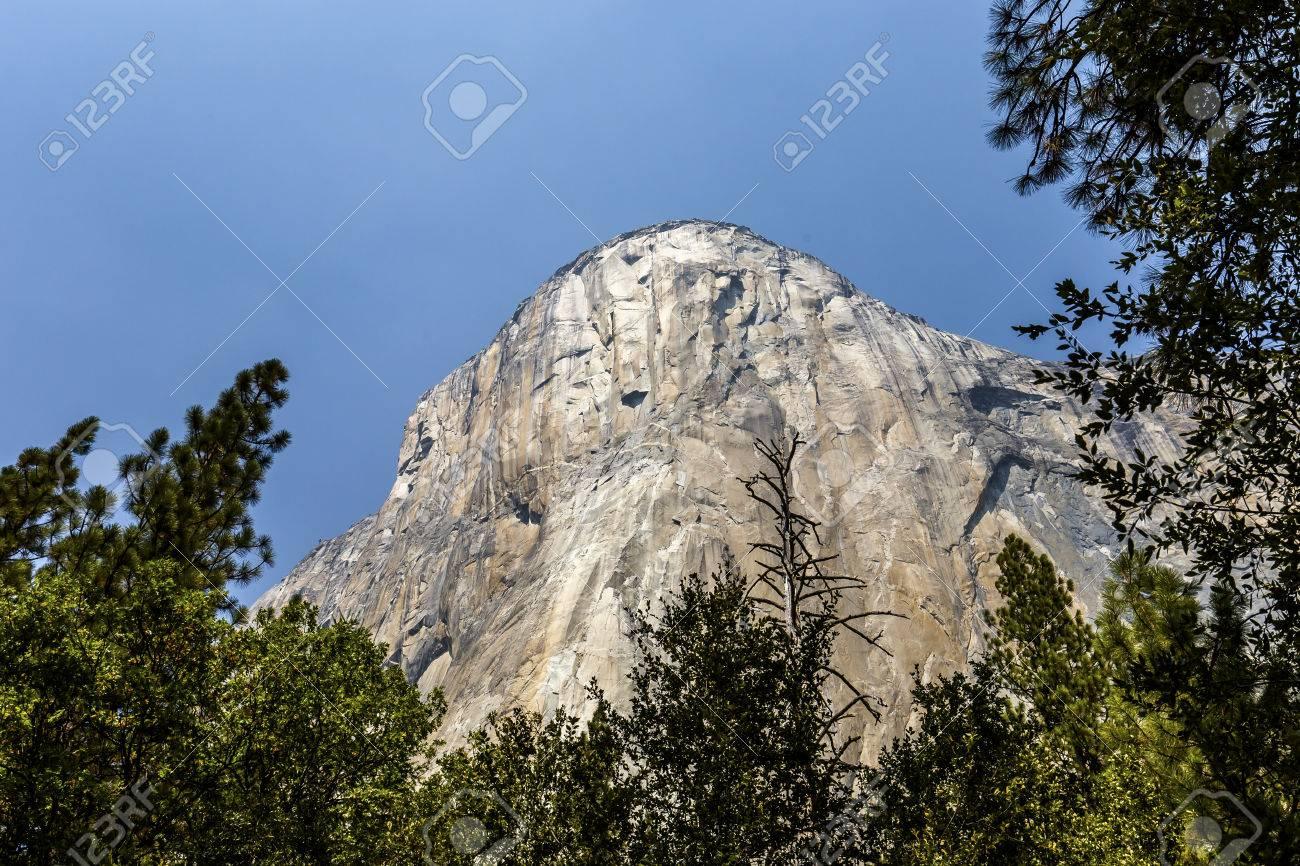 world famous rock climbing wall of el capitan, yosemite national