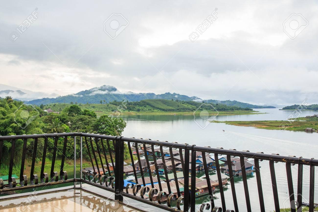 Tropical Resort Balkon Aussicht Raft Viele Hauser Auf Dem Fluss In