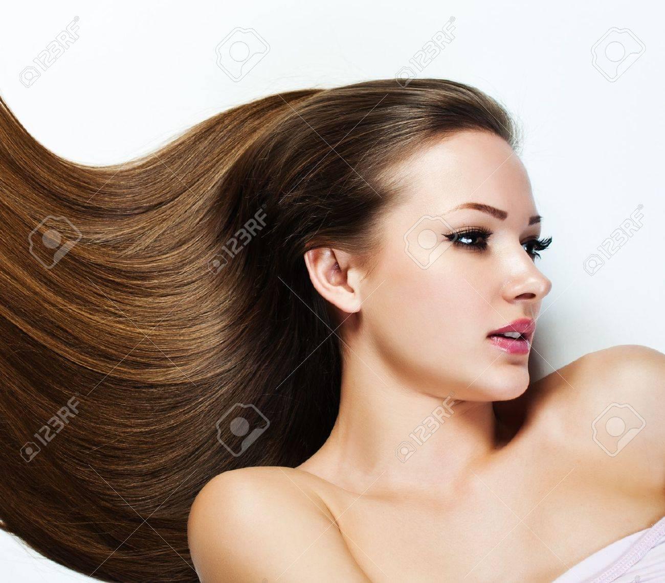 Belle Fille Brunette Cheveux Longs Saine Femme Modele Beaute Coiffure Femme Spa Banque D Images Et Photos Libres De Droits Image 18733678