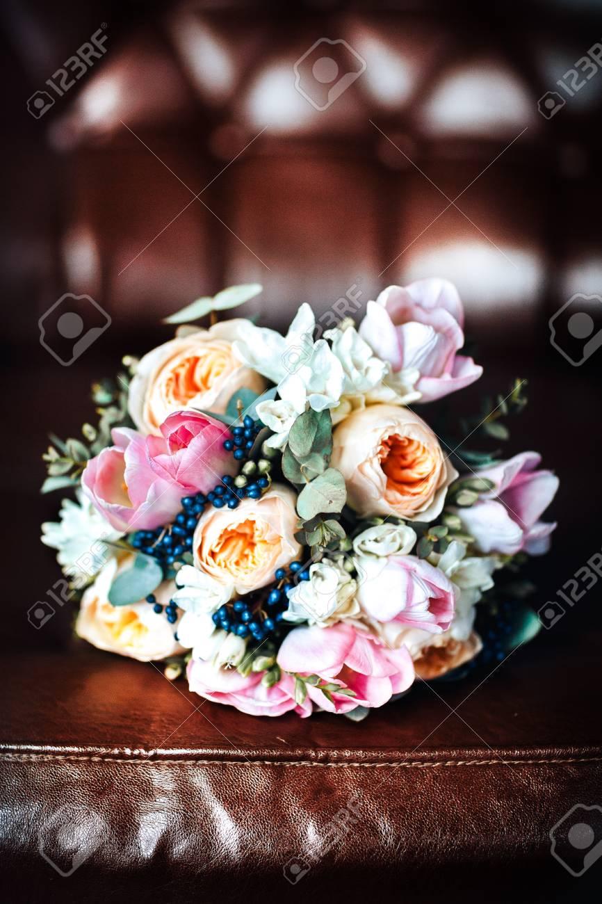 Hochzeitsstrauss Aus Rosa Und Weissen Rosen Tulpen Lizenzfreie Fotos