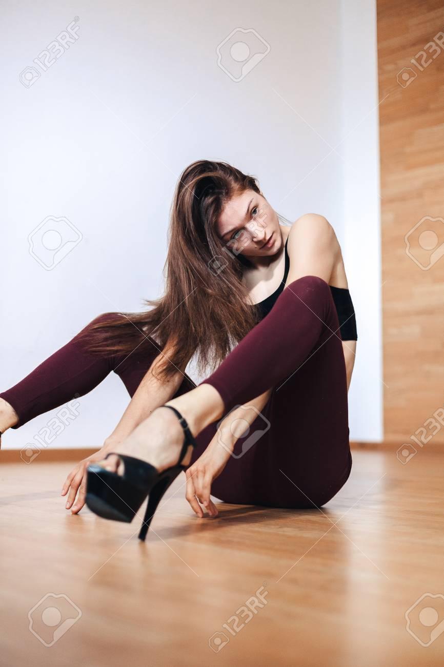 Young girl in heels pics 448