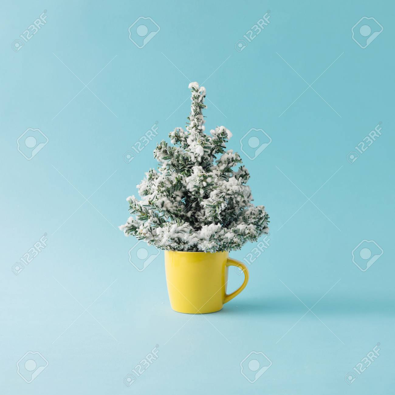 Coffee cup with Christmas tree. Minimal winter holidays concept. - 90321338