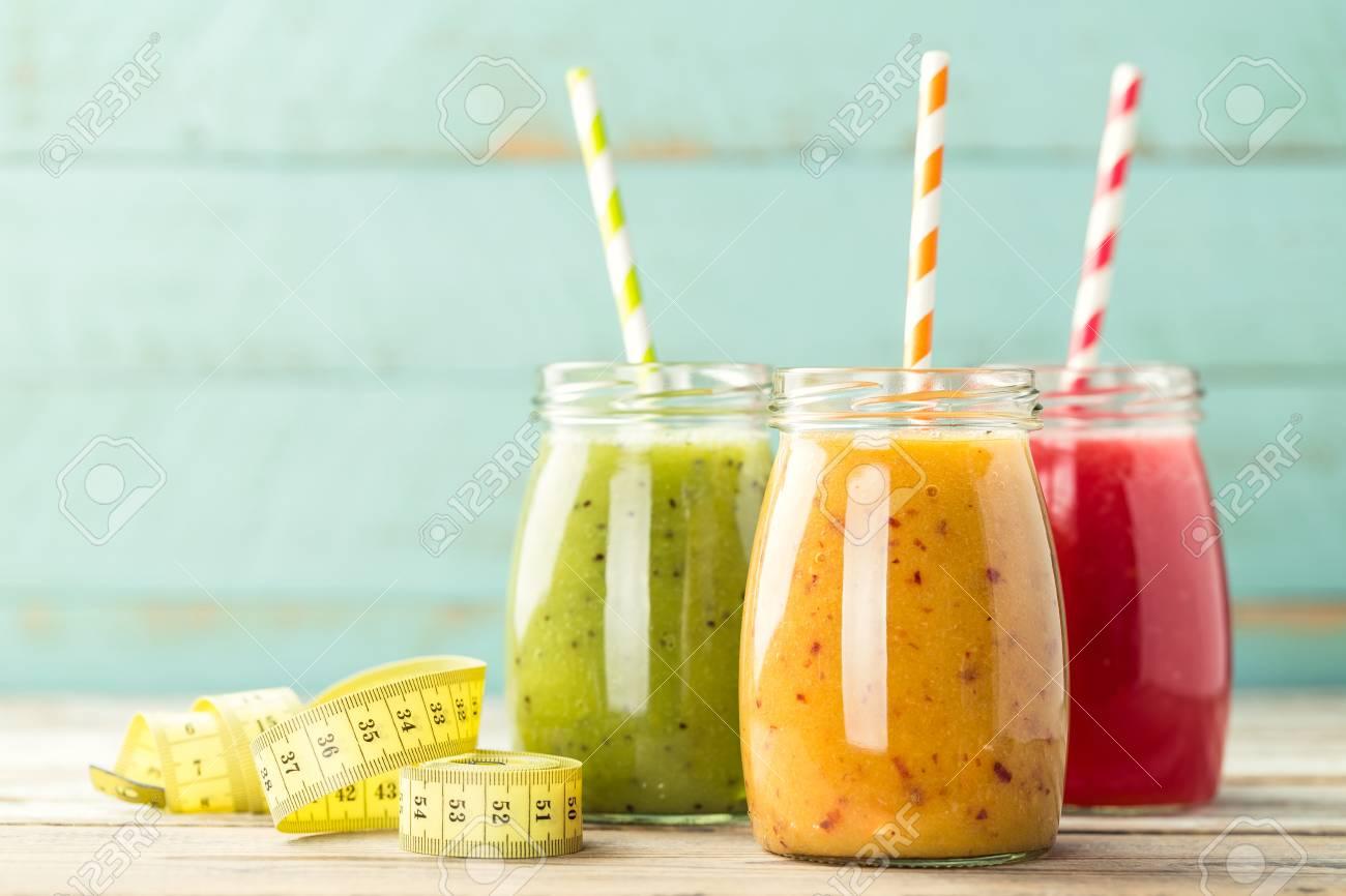 detox smoothie drinks - 61631408