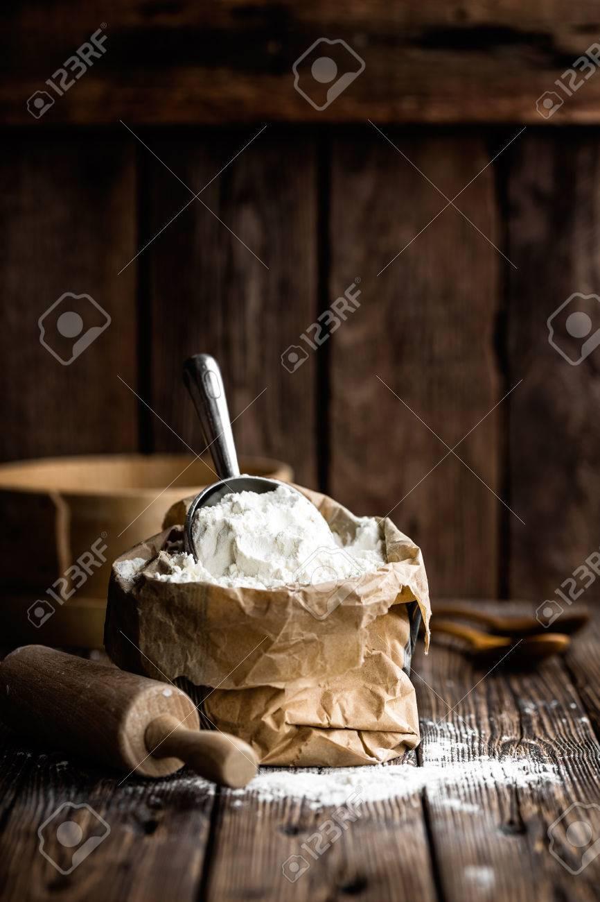 flour - 71553667