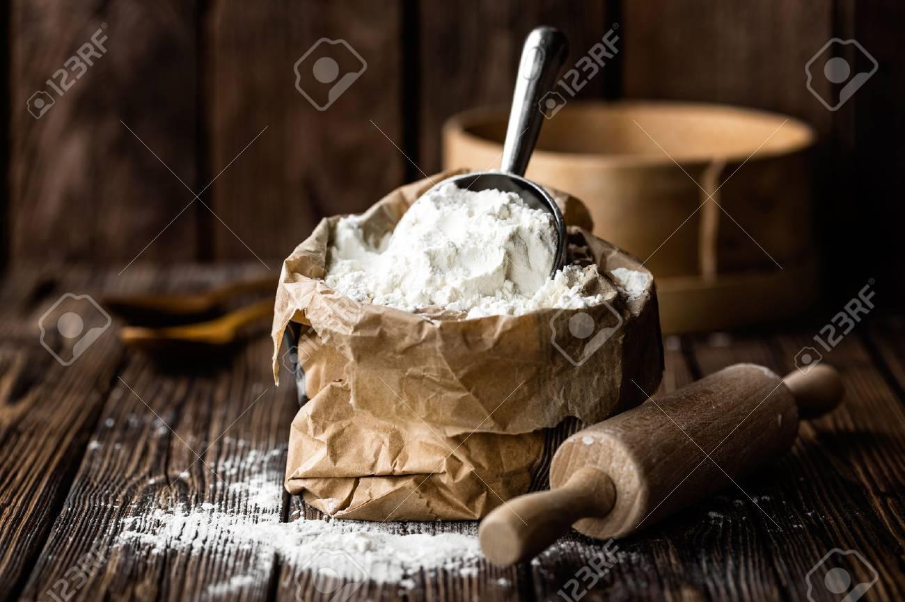 flour - 71553670