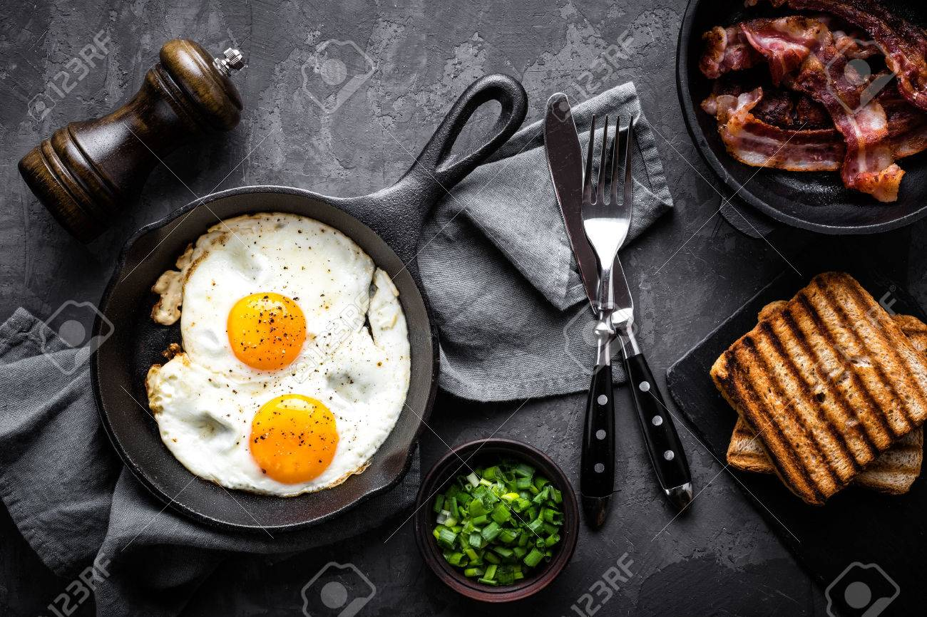 bacon and eggs - 71412309