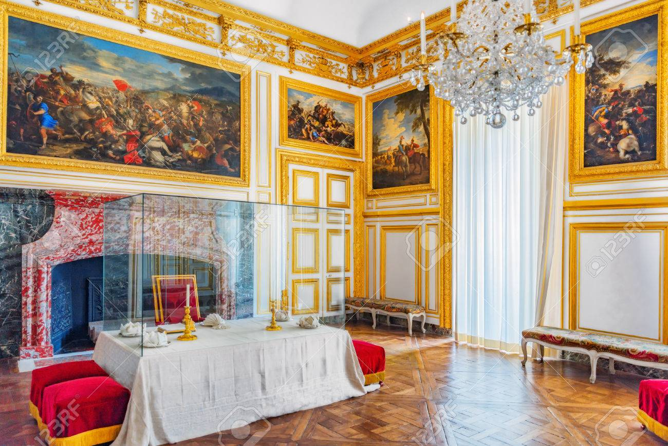 banque dimages versailles france 2 juillet 2016 royal salon salle manger au chteau de versailles surtout proches courtisans assis sur des bancs