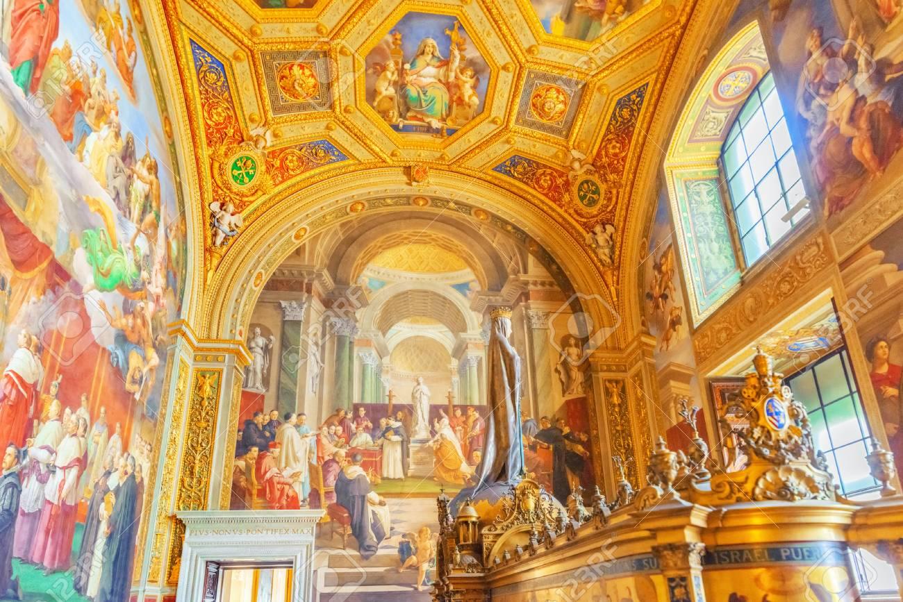 Museo Del Vaticano.Immagini Stock Vaticano Vaticano 09 Maggio 2017 All Interno