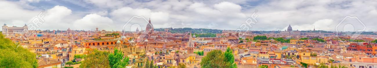 Veduta Della Città Di Roma Dall\'alto, Dalla Collina Di Terrazza Del ...