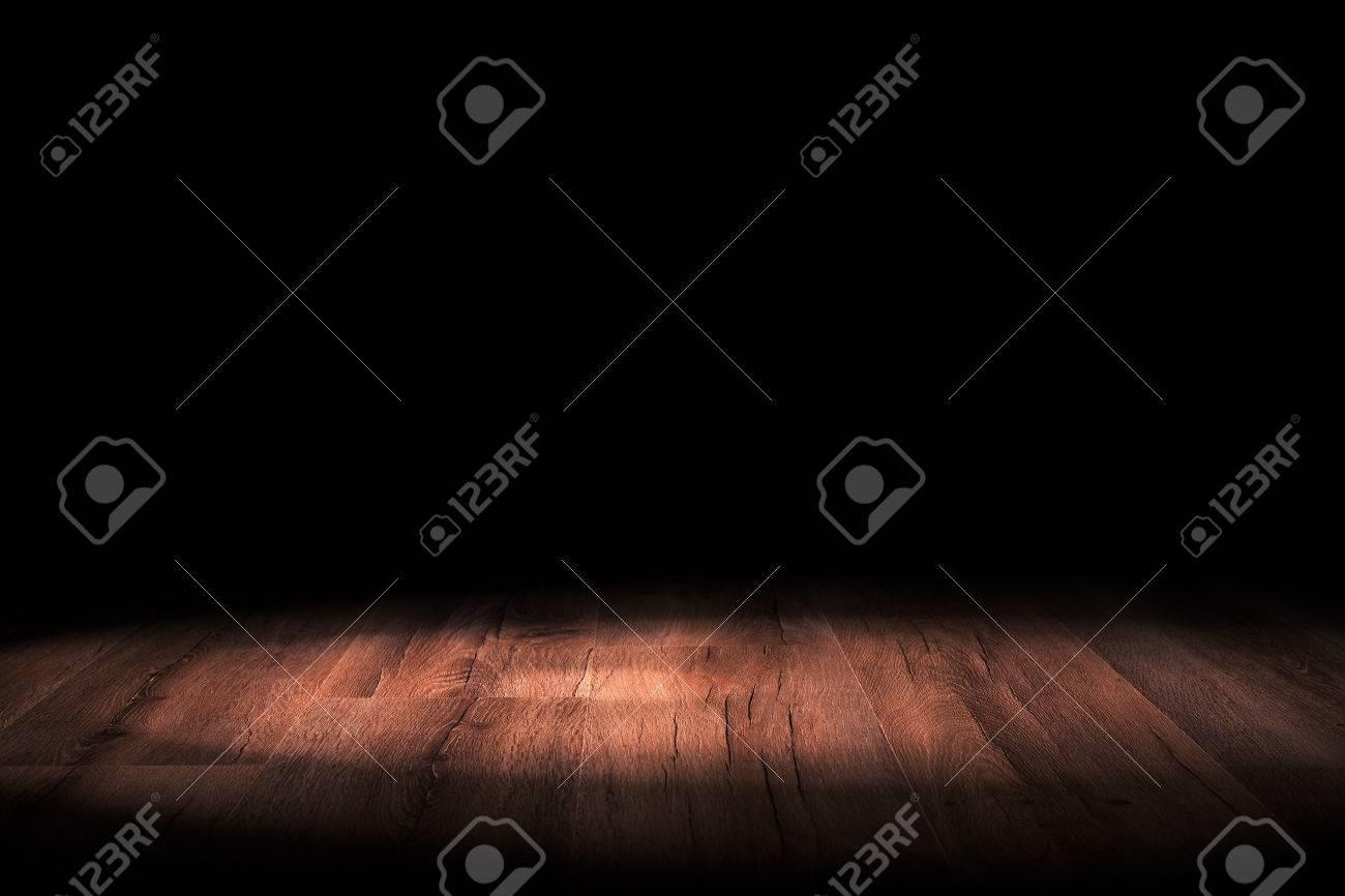 Light on wooden floor in empty room - 37660867